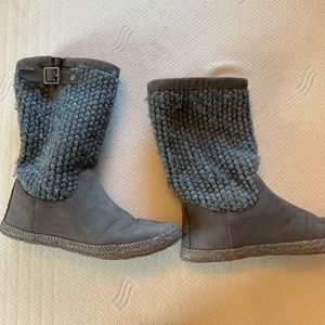 Ugg suede gray boots size 5
